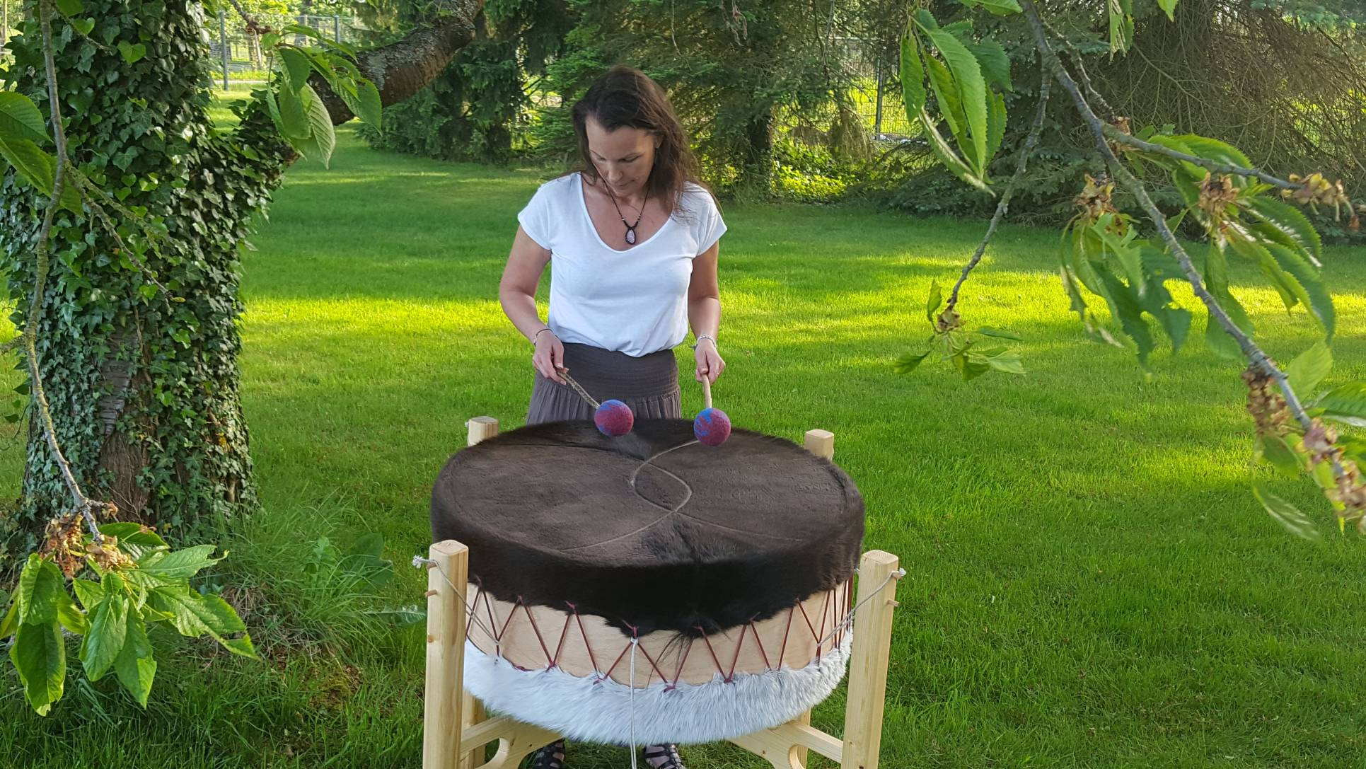 Mother-Drum im Garten